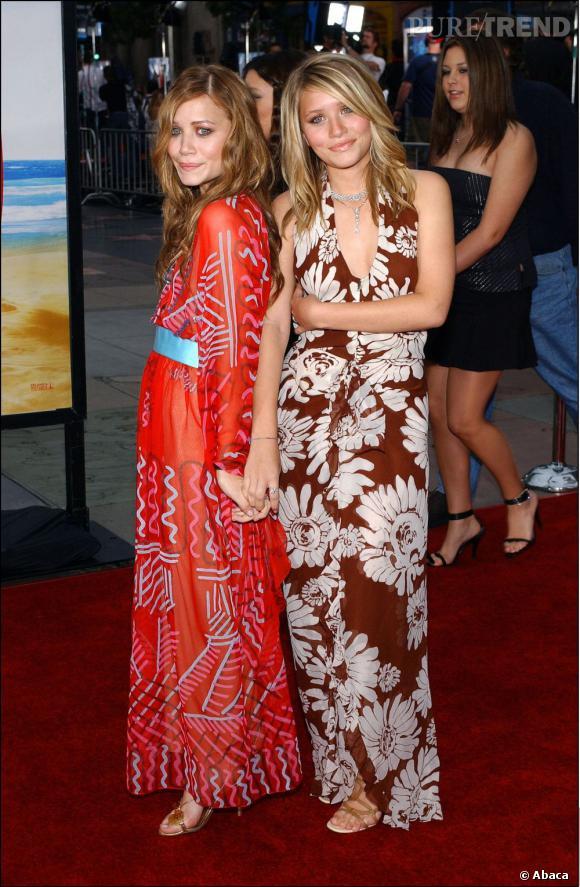 En 2003 les jumelles commencent a être parfaitement dissociables. Mary-Kate se teint en rousse et accentue son visage plus fin tandis qu'Ashley reste fidèle au blond.