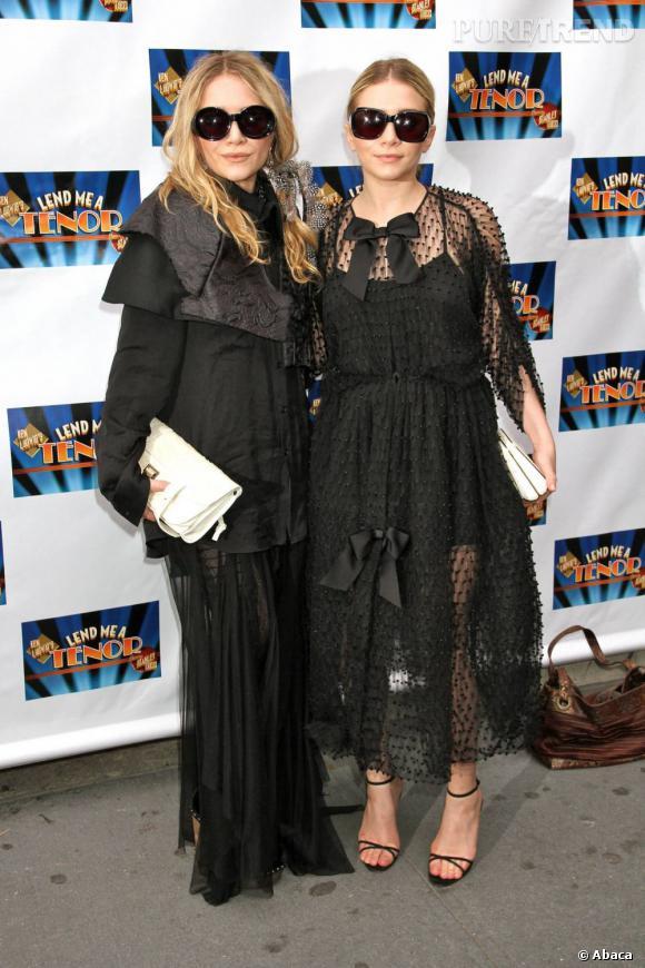 Mary-Kate et Ashley Olsen, veuves noires, duo de choc.