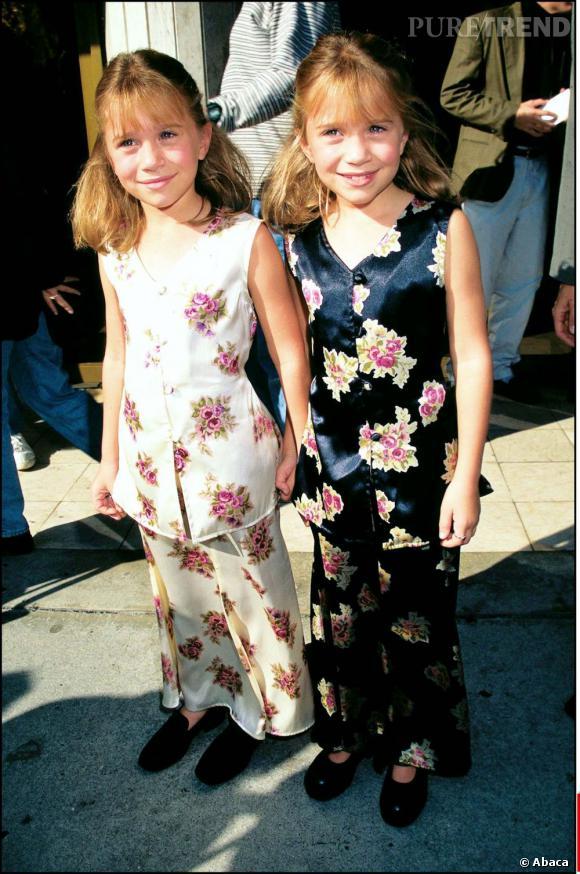 """Mary-Kate et Ashley Olsen peu de temps après continuent de miser sur la recette """"fausse dissociation"""". Et ça marche !"""
