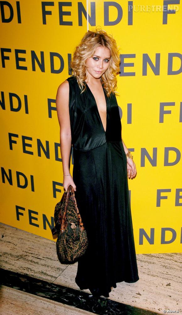 Ashley Olsen quant à elle entretient précieusement son image de fashionista en se rendant à des soirées huppées.
