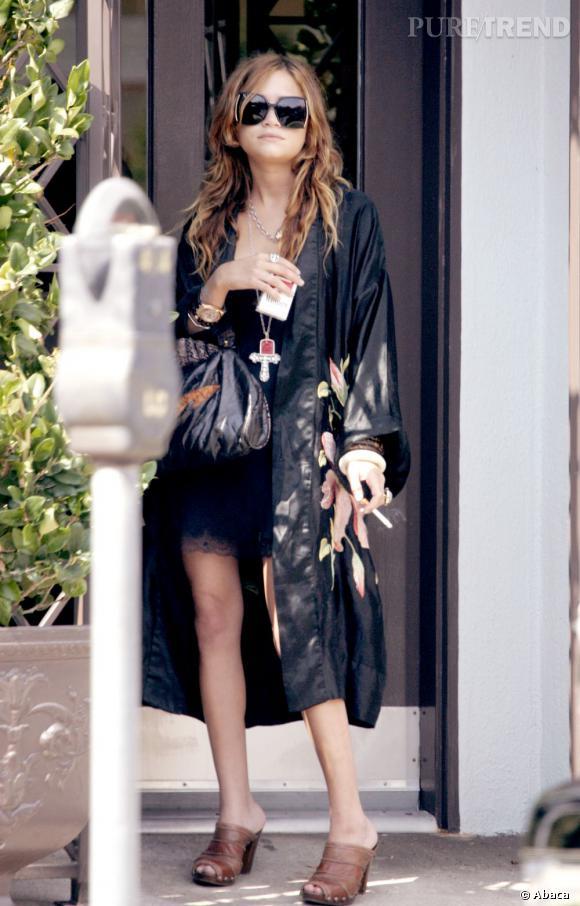 Mary-Kate Olsen la même année, rock'n'roll dit définitivement adieu à son image de petite fille modèle.
