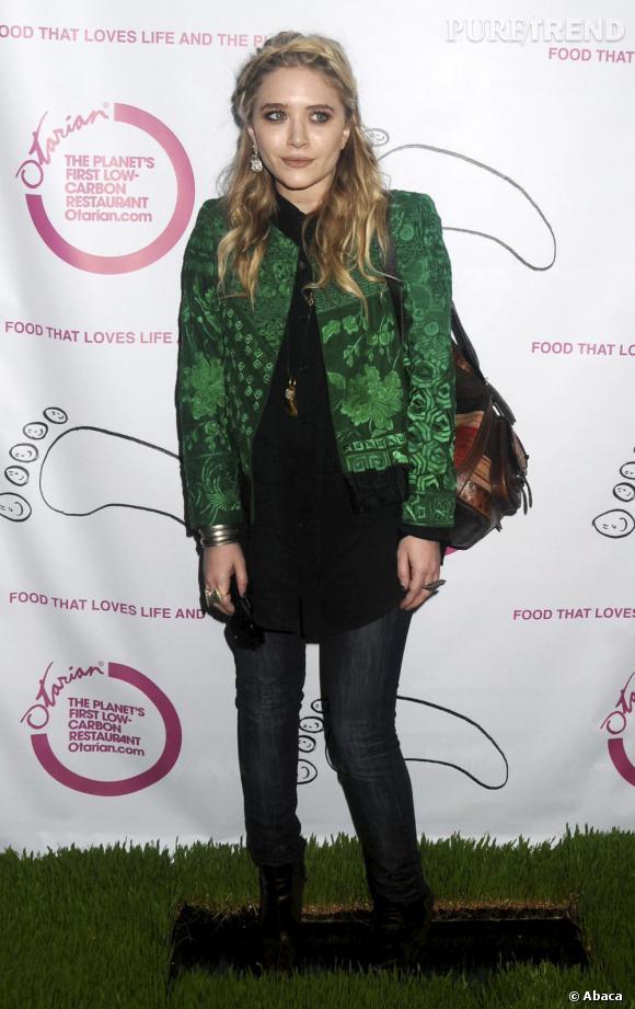 Mary-Kate Olsen également en 2010 tente une allure plus folk avec toujours une pointe vintage.