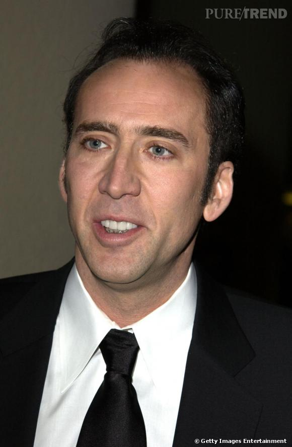Non, Nicolas Cage n'a pas réussi a bien cacher son appareil dentaire.