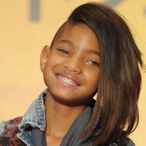Willow Smith, la fille de Will Smith connait aussi les joies de l'appareil dentaire. Merci le dentiste.