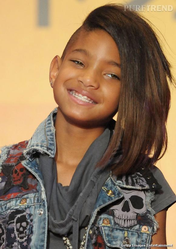 Willow Smith, la fille de Will Smith connait aussi les joies de l'appareil dentaire. Merci le dentiste.