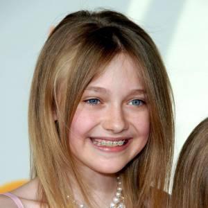Dakota Fanning, baby-star Hollywoodienne n'a pas eu d'autres choix que d'assumer son appareil.