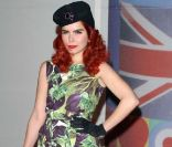 Version star :  Paloma Faith.