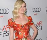 Version star :  Kirsten Dunst.