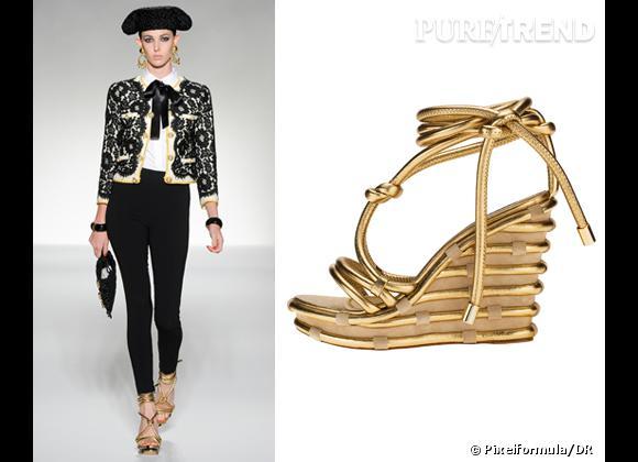 It-shoes : les must have des podiums Printemps-Eté 2012    Défilé Moschino   Compensées Moschino, 655 €