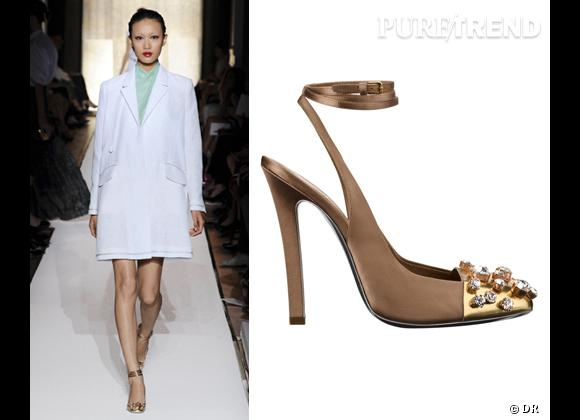 It-shoes : les must have des podiums Printemps-Eté 2012    Défilé Yves Saint Laurent   Escarpins Yves Saint Laurent, 995 €