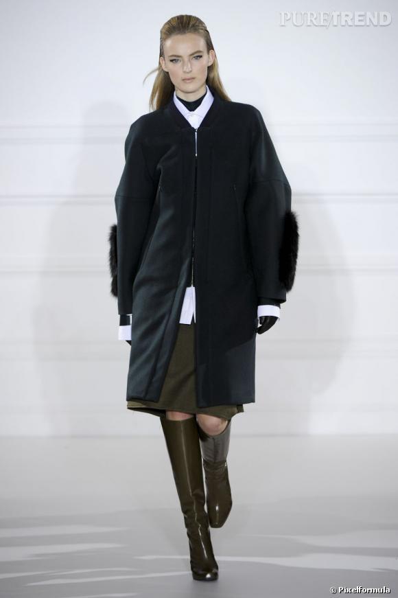 Après Aquascutum lundi, Pringle of Scotland et Betsey Johnson font grise mine. C'est la crise. La mode a peur...