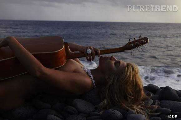 """Melody Gardot dans le clip """"La Vie en Rose"""", portant des bijoux Piaget."""