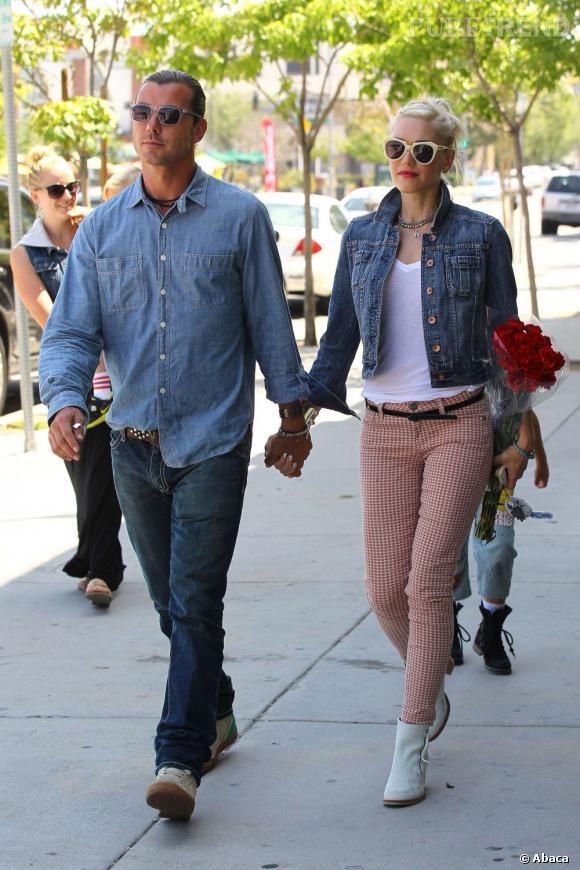 Gwen Stefani profite d'une journée en famille et marche main dans la main avec son mari Gavin Rossdale