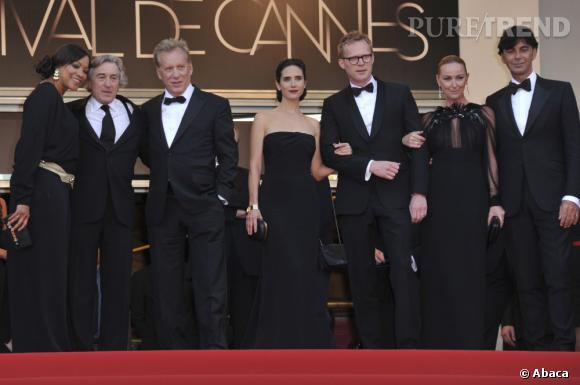 """L'équipe du film """"Il était une fois en Amérique"""" sorti en 1984 dont Robert DeNiro, James Wood et Jennifer Connelly, s'offre une totale coordination sur le tapis rouge."""