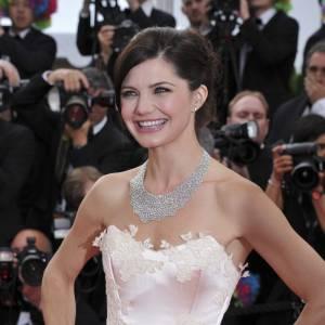 Delphine Chanéac sort le grand jeu avec une robe de princesse.