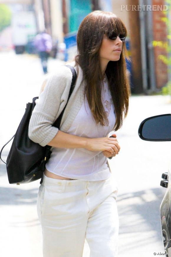 Jessica Biel à Los Angeles, tendance virginale.