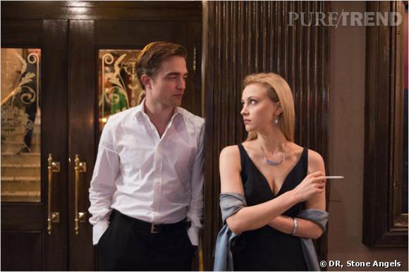 """Robert Pattinson au côté de Sarah Gadon dans """"Cosmopolis""""."""