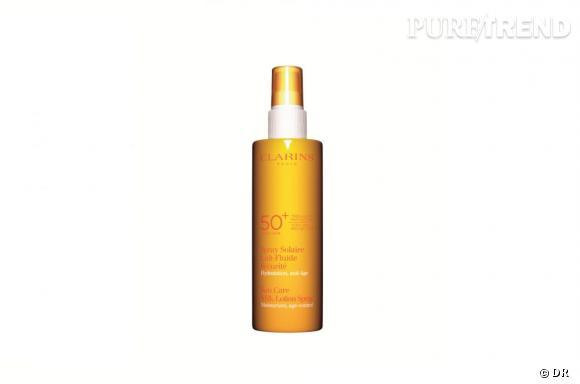 Spray solaire lait très haute protection SPF 50, Clarins, 25,95 €