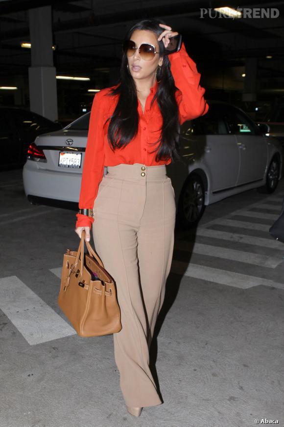 """Le flop """"pantalon"""" :  du beige, taille haute qui plus est, Kim est-elle devenue folle ?"""