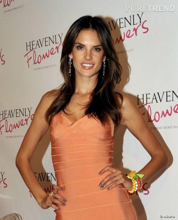 6- Alessandra Ambrosio    Brésilienne   A gagné 6.6 millions de dollars.   Agence DNA Models