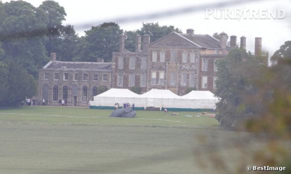 Le mariage de Jade Jagger et Adrian Fillary a eu lieu au Aynhoe Park, dans le Oxfordshire