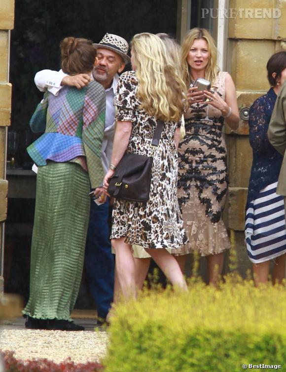 Christin Louboutin et Kate Moss retrouvent des amis au mariage de Jade Jagger et Adrian Fillary à Aynhoe Park