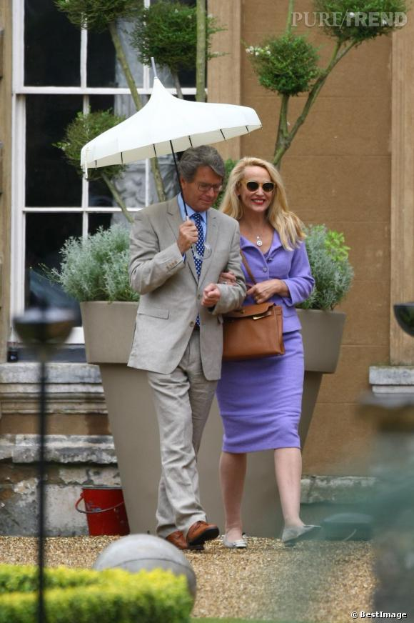 Jerry Hall, une des femmes de Mick Jagger, assiste au mariage en compagnie de son mari Warwick Hemsley
