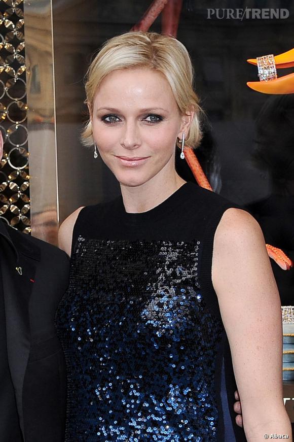Charlene Wittstock opte pour une robe Louis Vuitton couverte de sequins...