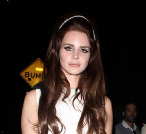 Lana Del Rey vs elle-même : La petite robe blanche de diva