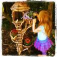 La fille de Busy Philipps d'humeur jardinière.