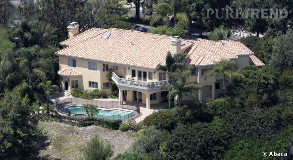 Paris hilton a acquis une jolie maison de 25 millions beverly hills - Maison de paris hilton ...