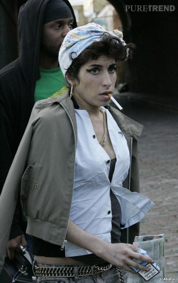 Amy Winehouse version Rosie the Riveter en 2008.