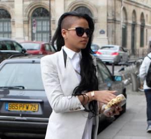 Wanted : les lunettes de soleil Sexxxy de Cassie signées Thierry Lasry