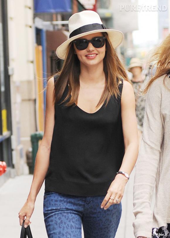Comme Miranda Kerr, on reste digne et glamour sous le soleil. La mission : un teint parfait même par 40°C.