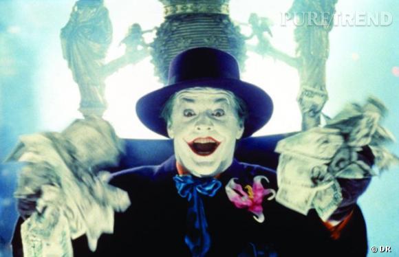 Changement de décor et de make-up, bonjour au Joker selon Tim Burton. Le réalisateur lui donne un masque de clown et une bouche dessinée de rouge, toute en zygomatiques. Le personnage se veut volontairement plus exhubérant qu'effrayant.