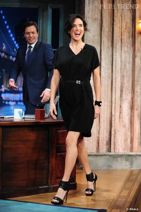 Jennifer Connelly : même enceinte, elle met le feu au plateau de télévision et reste aussi sexy.
