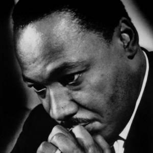 Martin Luther King était un activiste militant pour les droits civiques des Afro-Américains, et a été assassiné en 1968