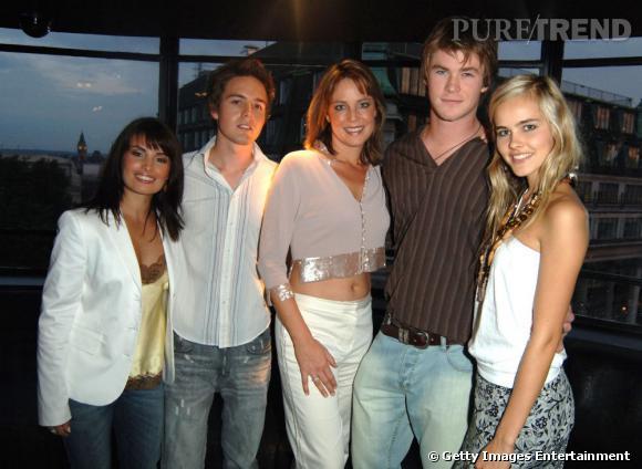 Chris Hemsworth, Isabel Lucas et une partie du casting de Summer Bay.