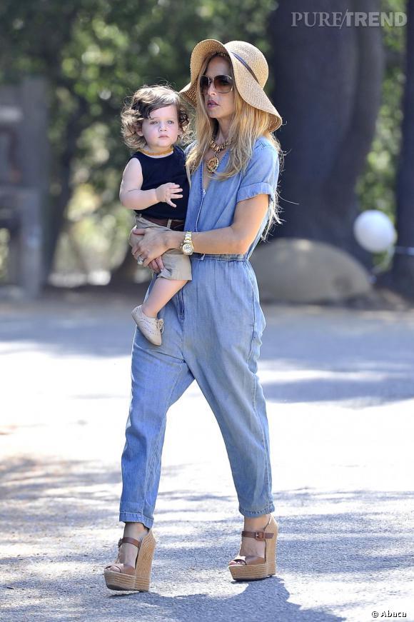 Rachel Zoe en compagnie de son fils Skylar le 18 août dernier.