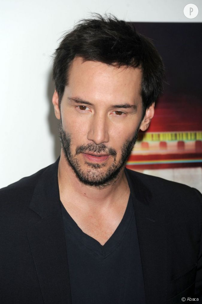 keanu reeves se laisse t il pousser la barbe pour masquer. Black Bedroom Furniture Sets. Home Design Ideas