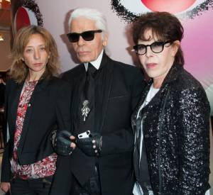 Sylvie Testud, Karl Lagerfeld et Dani prennent la pose.