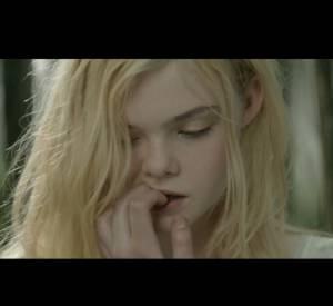 Découvrez le clip de campagne du parfum Le Premier Parfum de Lolita Lempicka avec Elle Fanning.