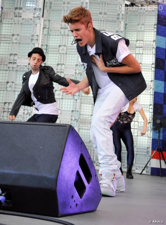Le pauvre Justin Bieber s'est mis à vomir en plein concert en Arizona.