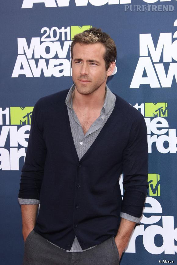 People magazine a élu Ryan Reynolds l'homme le plus sexy du monde en 2010. C'est le premier canadien à avoir remporté le titre.