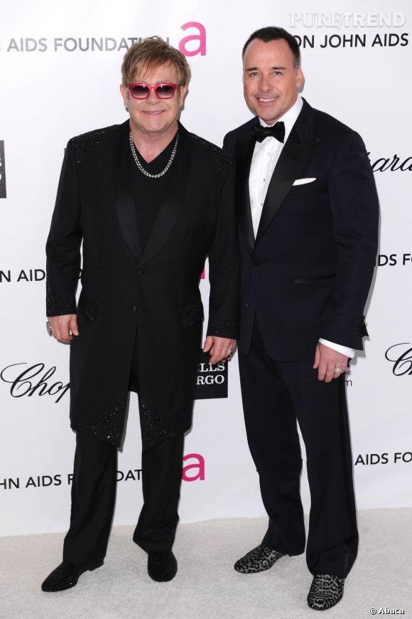 Les faux noms de Elton John : Humphrey Handbag et Bobo Latrine.