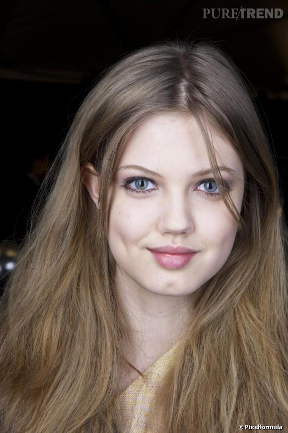 """Les secrets de beauté des tops      Nom :  Lindsey Wixson    Elle a défilé pour :   Dior, Roland Mouret...        Son secret :   """"J'abuse d'Homéoplasmine sur mes lèvres, c'est le meilleur moyen de les protéger et les rendre douces..."""""""