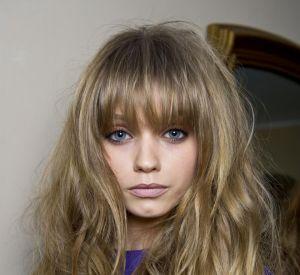 """Les secrets de beauté des tops Nom : Abbey Lee Elle a défilé pour : Isabel Marant, Chanel, Dior... Son secret : """"J'utilise de la crème Nivea sur mes cheveux à la place d'un sérum. C'est comme ça que je soigne mes cheveux secs."""""""