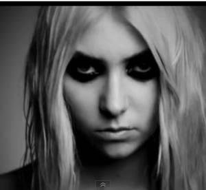 Taylor Momsen : entièrement nue dans une vidéo pour ''Under The Water''