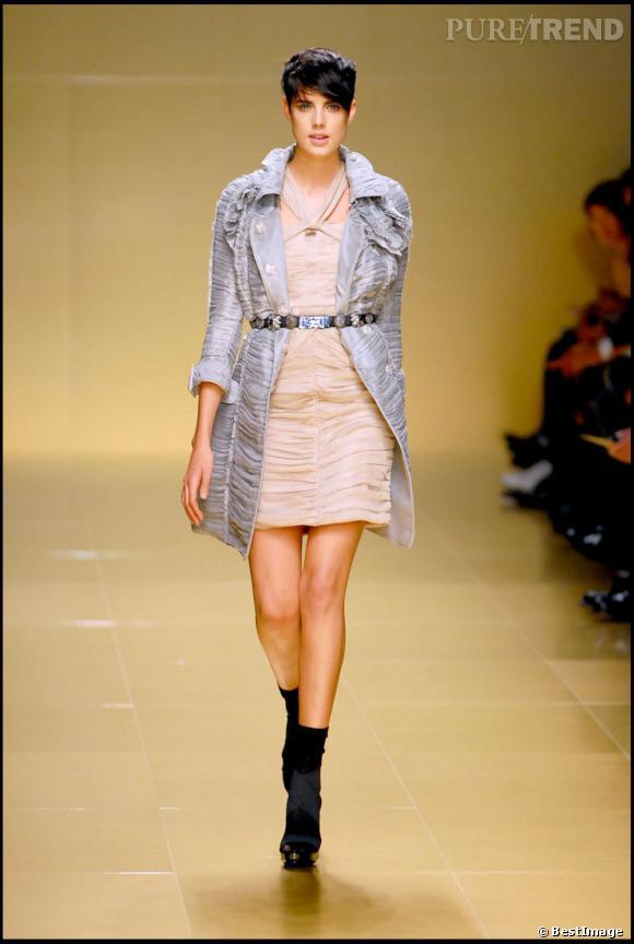 En 2008, elle est l'un des mannequins vedette de Burberry Prorsum.