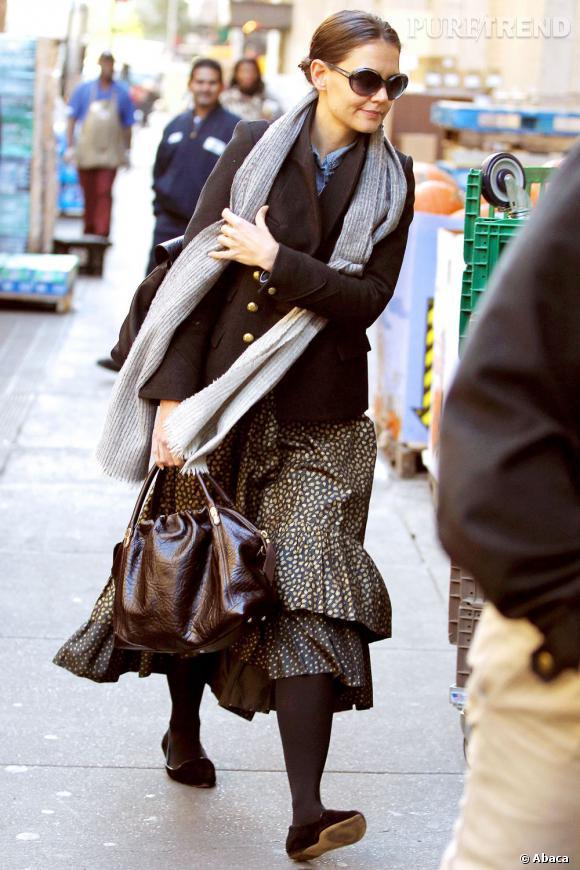 Avec sa jupe has been et ses collants chocolats, Katie Holmes n'a plus rien d'une fashion icon.